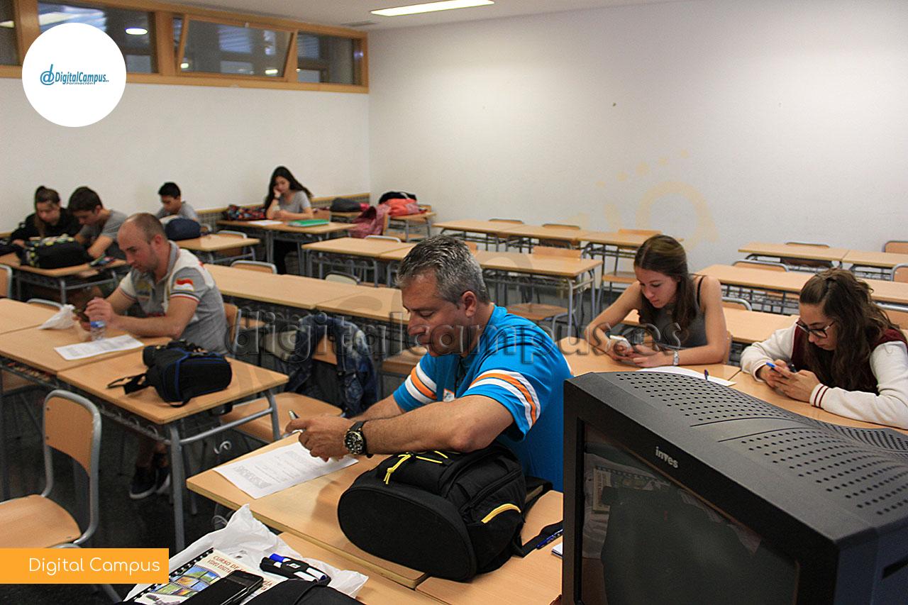 Aulas Presenciales y Espacios Educativos en Exteriores
